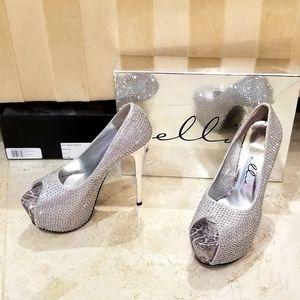"""Ellie Shoes - Ellie 6"""" Studded Peep Toe"""